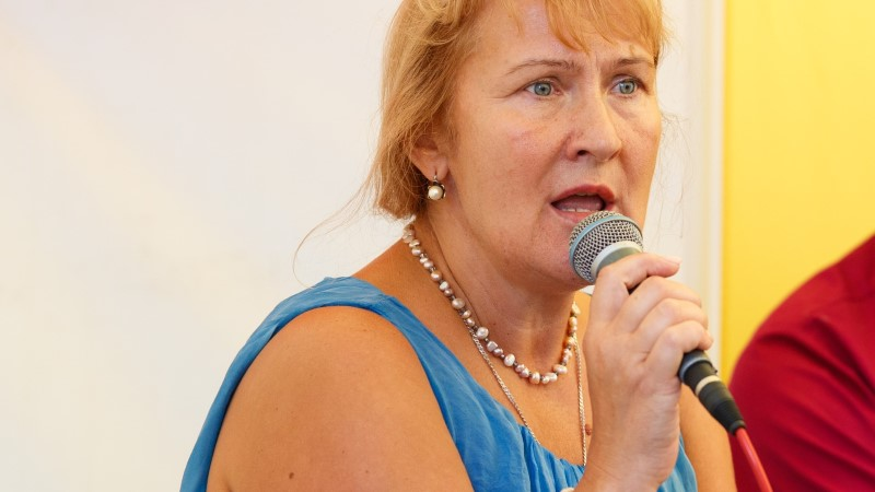 EKRE sotsiaalpoliitikat esindas ETVs alternatiivravi propageeriv Helle Kullerkupp