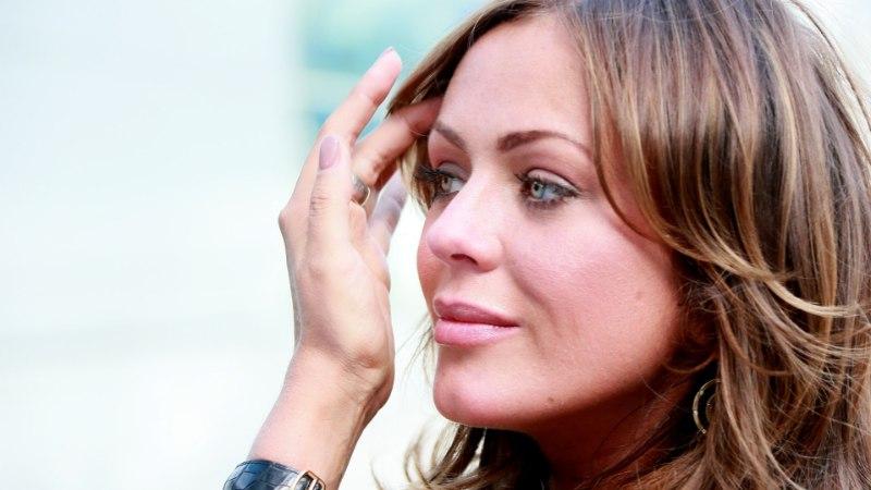 Певица Юлия Началова госпитализирована в крайне тяжелом состоянии