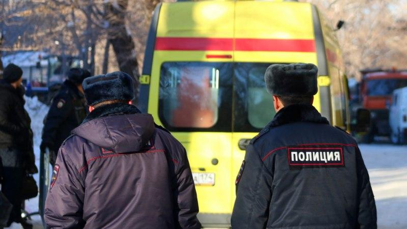 В России мать выбросила двухлетнюю дочь из окна девятого этажа и прыгнула следом (ВИДЕО)