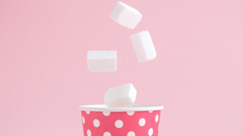 Как сахар влияет на кожу лица?