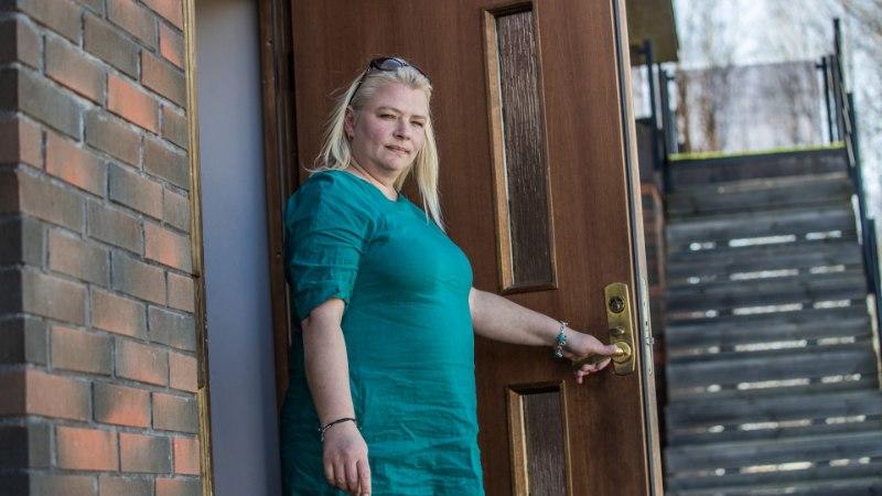 """SAATUSE IROONIA: """"Kodutunde"""" Kristi Nilov käib oma kodu pärast kohut"""