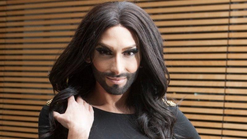 VIDEO | Püha müristus! Conchita Wurstist on saanud hallipäine habemik