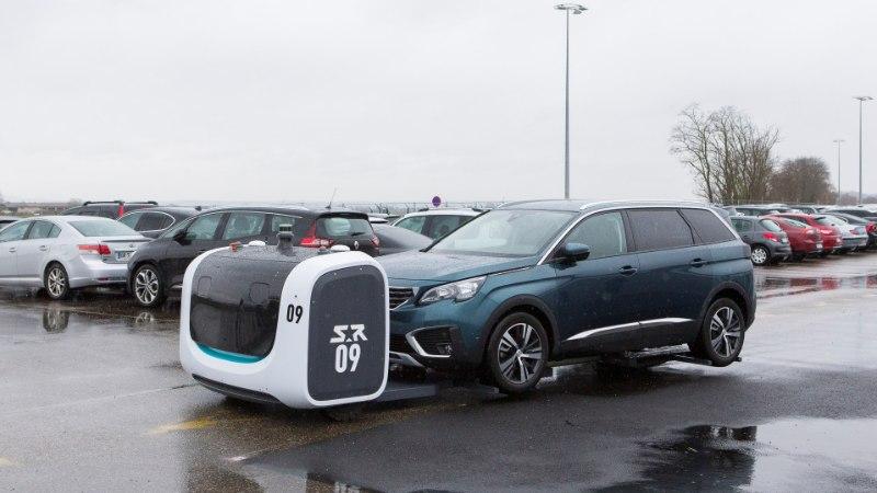 Lyoni lennujaamas pargivad autosid nutikad robotid