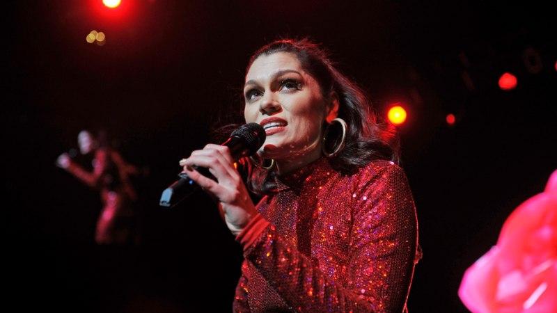 FOTO | Fännid vaimustuses: lauljatar Jessie J ei häbene tselluliiti