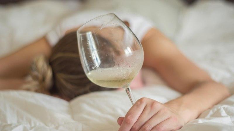 NEUROLOOG HOIATAB: alkohol ei ole unerohi ega too sügavat und