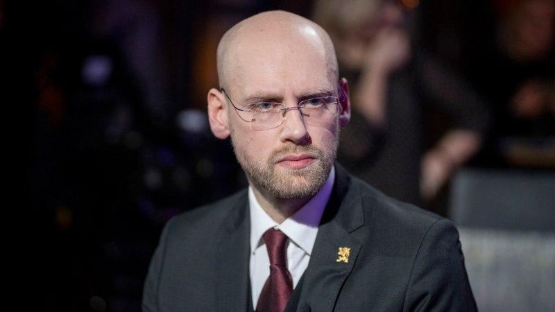 """""""Kolmeraudse"""" produtsent: Varro Vooglaiuga samas saates esinenud räpipundi esitust kasutatakse ära poliitilises sõnasõjas"""