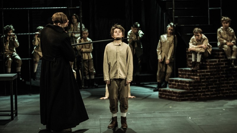 """Lavastaja Peep Maasik: Jarek Kasar on """"Oliver Twistis"""" tänapäevasuse üles leidnud"""
