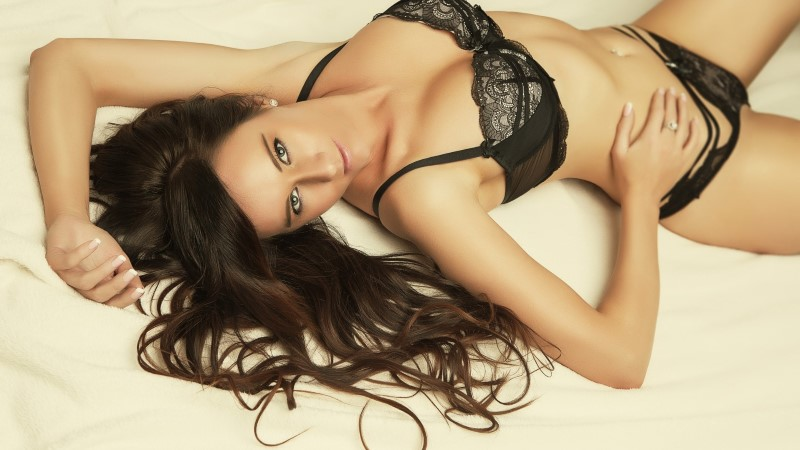Seksisõltlane valis tsölibaadi: varem magasin öösel kasvõi kuue mehega korraga!