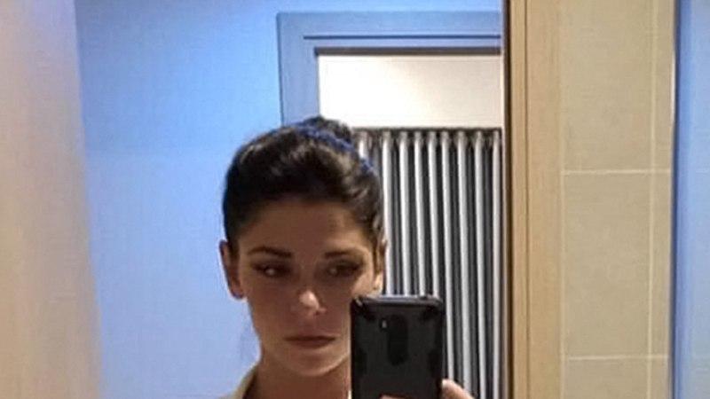 SEKSIÕNNETUS? Šveitsis Locarnos tapeti hotellitoas noor naine