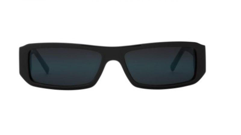Kim Kardashian disainis päikeseprillikollektsiooni, kus prillid ei maksagi tervet varandust!