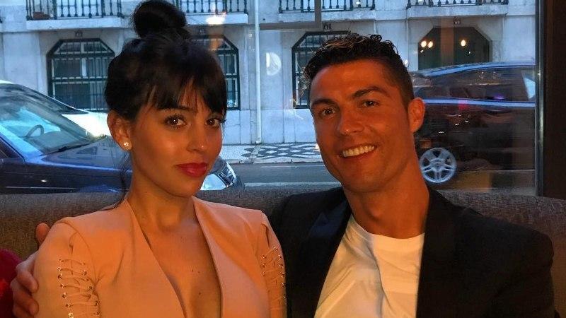 POLEGI TÕELINE ARMASTUS? Cristiano Ronaldo vahetab partnereid lepingute alusel?