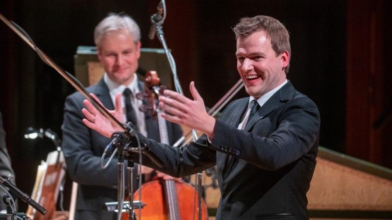 Dirigent Risto Joost sai isaks: mees ei mõista elu enne, kui näeb naist sünnitamas
