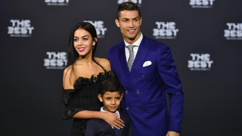 KÄBI EI KUKU KÄNNUST KAUGELE! Ronaldo poeg kõmmutas ühes mängus seitse väravat