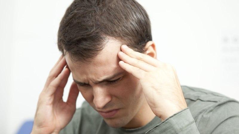 NEUROLOOG KUMMUTAB MÜÜTE: ka meestel valutab pea, see pole mingi naiste värk