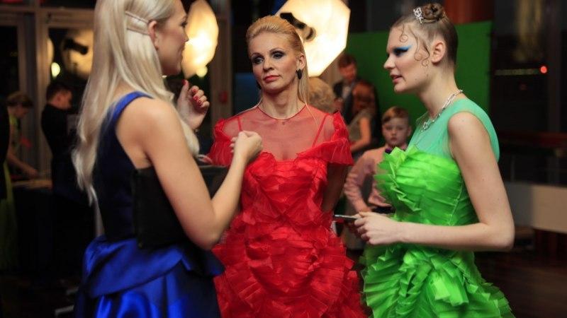 TOP 5 | Roheline ruulib! Disainer Tim Bluzi lemmikkostüümid EFTA punaselt vaibalt