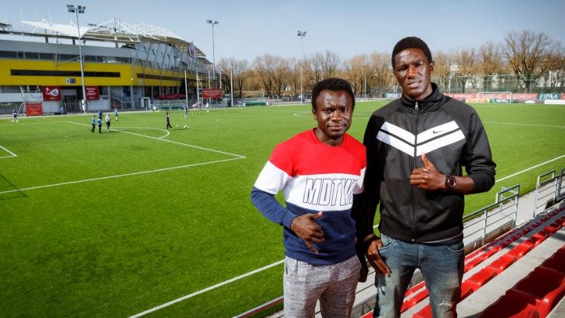 Paide gambialased valisid vaesusest pääsemiseks jalgpalli