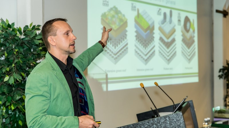 GALERII | Ehitusmessi esimene päev tutvustas innovatsioone ning katuselahendusi
