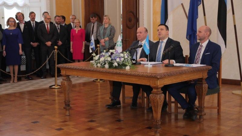 ÕL VIDEO JA FOTOD | EKRE, Isamaa ja Keskerakond allkirjastasid koalitsioonilepingu