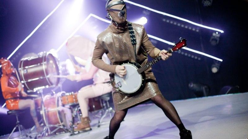 Liibuvatest maadlusdressidest peegelkleidini ehk Eurovisioni kostüümidraama parimad palad