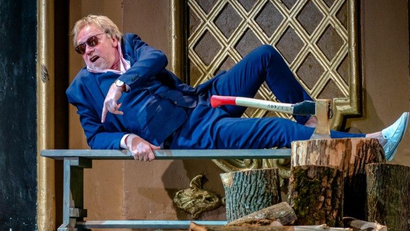Актер Русского театра Сергей Черкасов встречает 60-летие на сцене