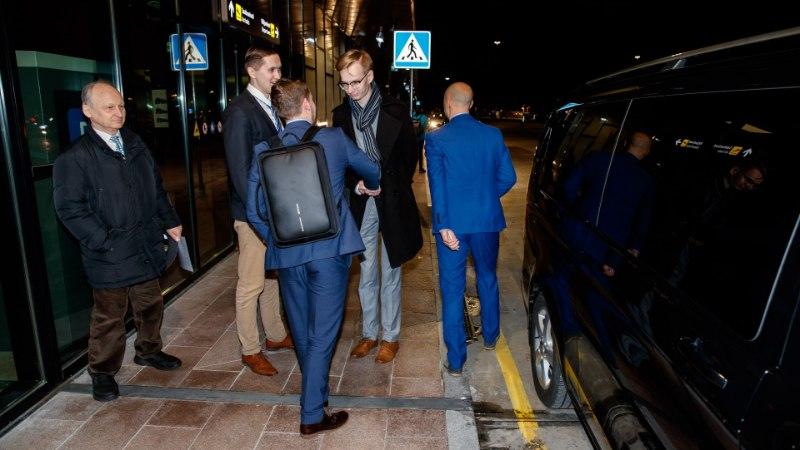 FOTOD   Marine Le Pen jõudis Tallinnasse, lennujaamas tervitas teda Jaak Madison