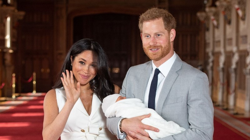 Меган Маркл и принц Гарри поделились новой фотографией своего первенца
