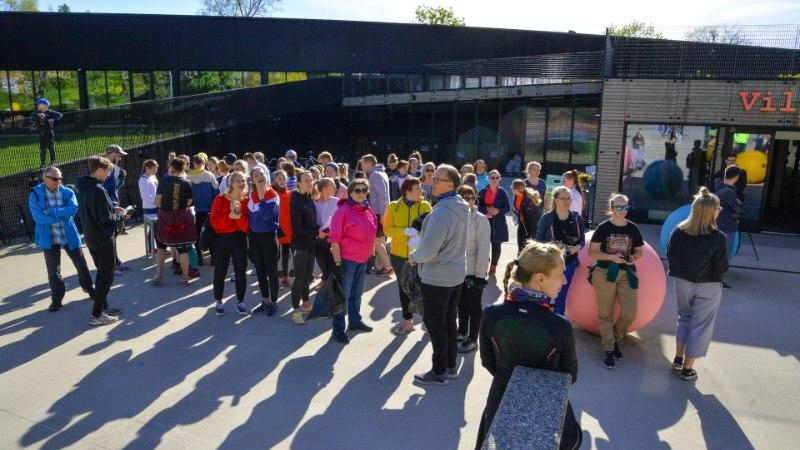 GALERII | President Kaljulaid osales prügikoristusjooksul