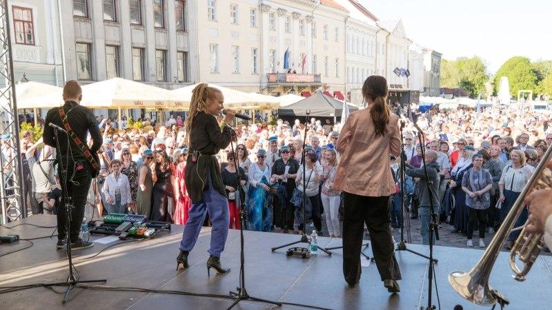 GALERII   Tartu ülikooli vilistlaste kokkutulekul jäi loodetud Guinnessi rekord sündimata