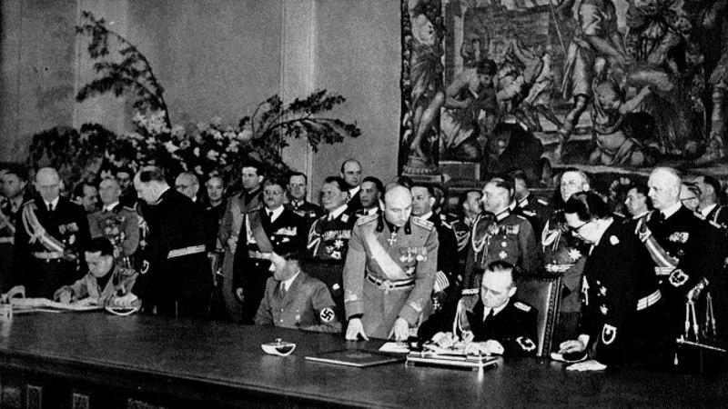 MINEVIKUHETK | 22. mai: Itaalia ja Saksamaa vahel sõlmiti Teraspakt