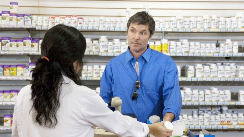 """MEES TEATAS APTEEGIS: """"See on rööv!"""" Kurjategija püüti kinni tänu apteekrite nutikusele"""
