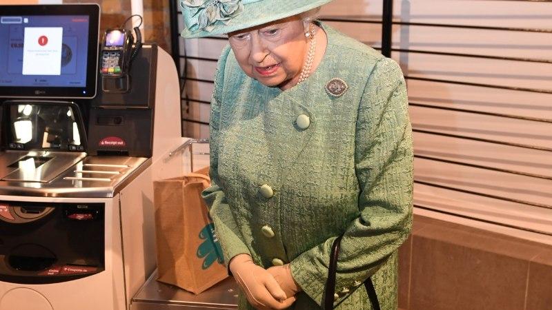 GALERII   KAS TÕESTI PETTA EI SAA? Kuninganna Elizabeth õppis tundma selvekassat