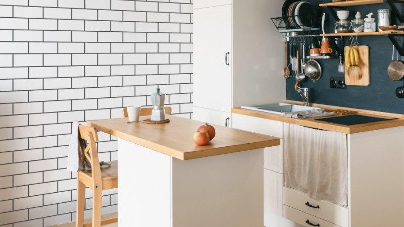 Tee kööki või vannituppa äge New Yorki stiilis plaatsein šablooni abil