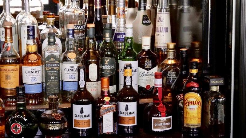 HIINA ON JANUNE: alkoholitarbimine on maailmas tõusuteel