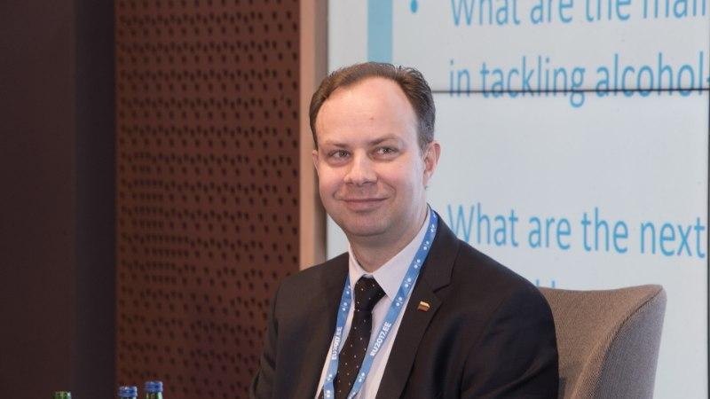 LEEDU OMA OSSINOVSKI: tervishoiuminister Veryga ajab vastuolulist alkoholipoliitikat