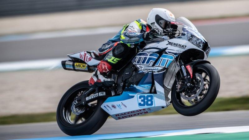 Motosõitja Hannes Soomer: pigem lõpetada kümnendana, kui olla kurvis kõhuli