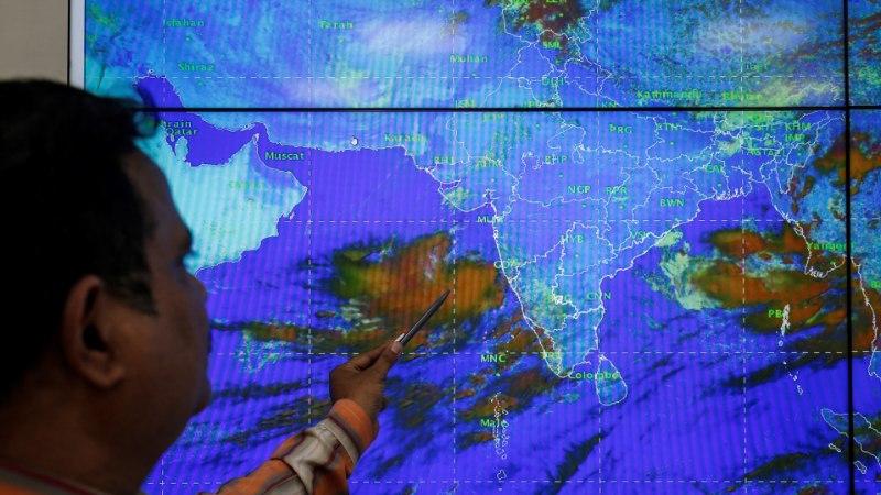 Loode-Indiat ähvardab kümnendite tugevaim torm – 300 000 inimest on evakueeritud