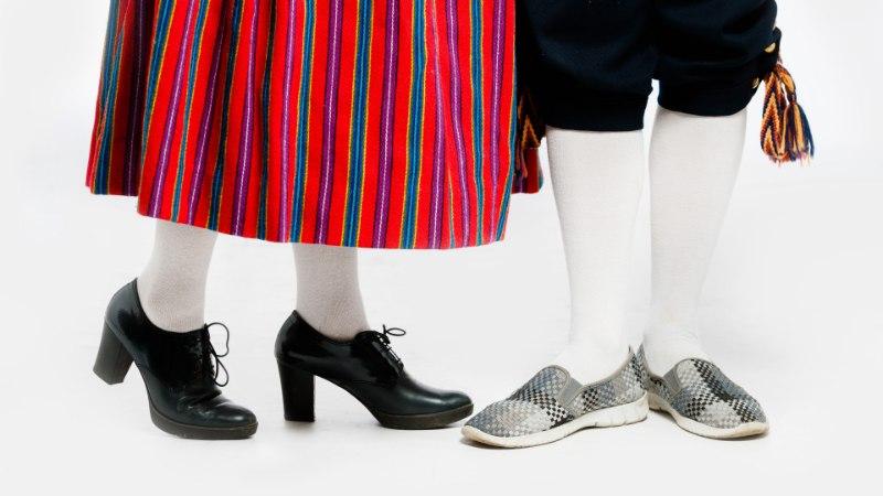 TANTSUPIDU   Vaata, milliseid jalanõusid on sobilik kanda rahvarõivastega