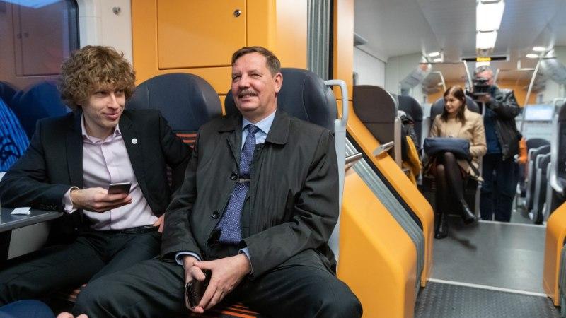 Elron piirab suveperioodil jalgratastega reisimist, minister Aas tahab ronge juurde hankida