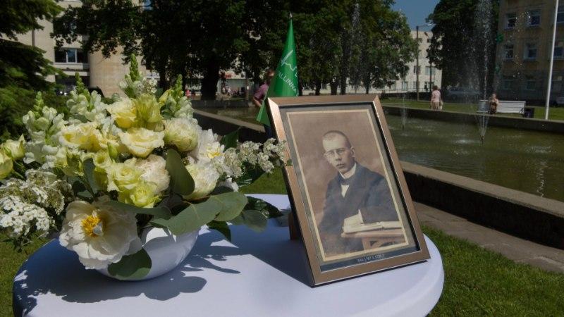 MÄLESTUSPINK TEENEKALE TOHTRILE: 100 aastat tagasi astus ametisse esimene eestlasest haiglajuht, kes oli ka Tammsaare ihuarst